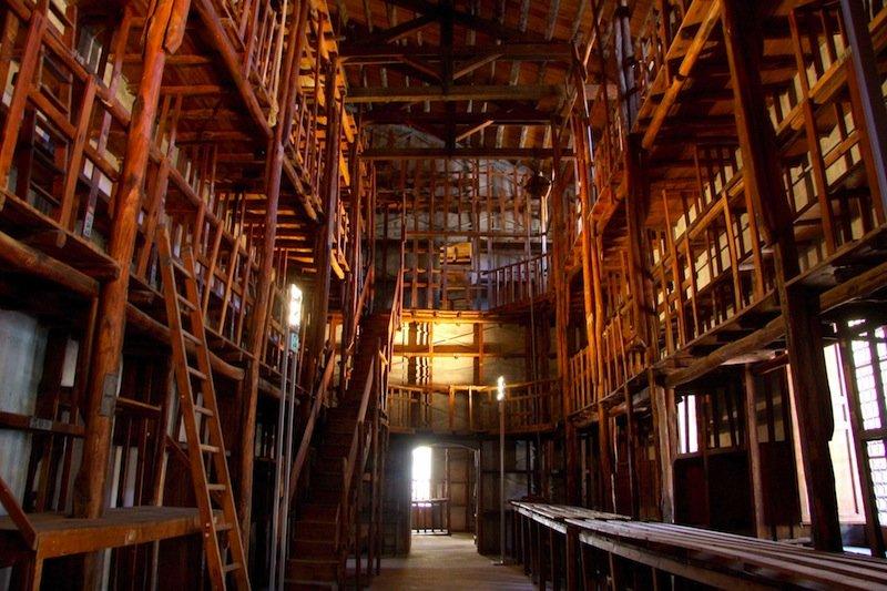 PALERMO, biblioteca di PALAZZO BRANCIFORTE © Michele Naccari/ STUDIO CAMERA