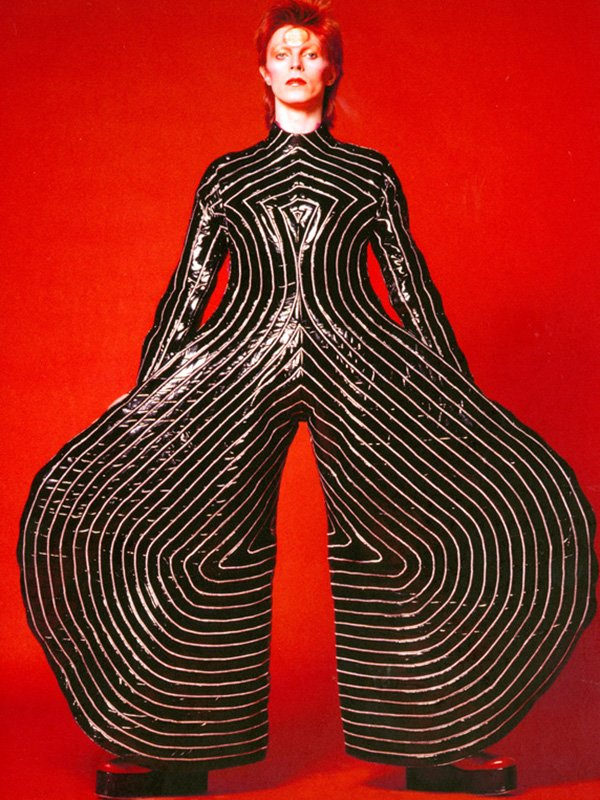 1.-Striped-bodysuit-for-Aladdin-Sane-tour-1973-Design-by-Kansai-Yamamoto-Photograph-by-Masayoshi-Sukita-Sukita-The-David_-Bowie_Archive_20121-1