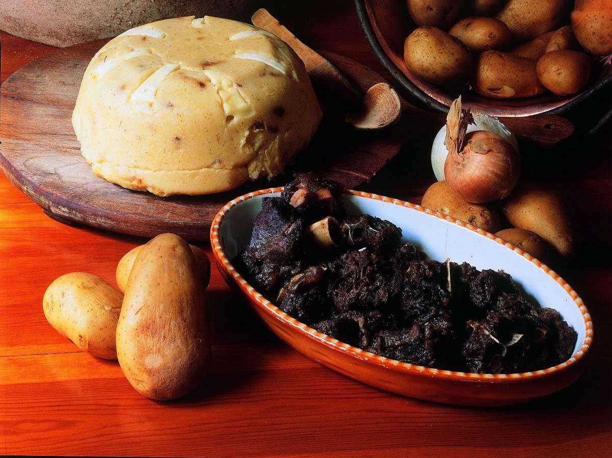 Polenta di patate e capriolo