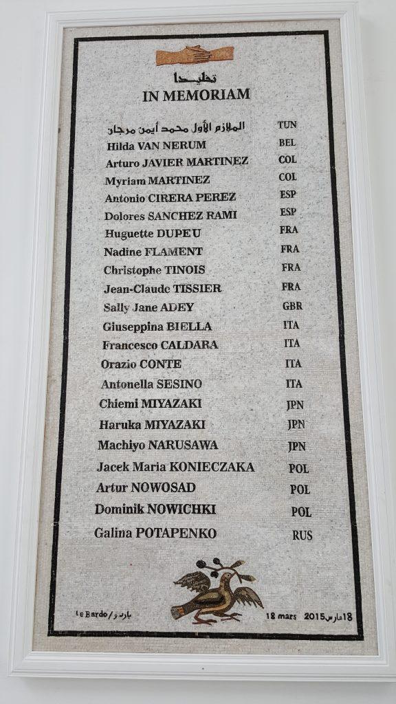 Tunisi. Lapide con i nomi dei morti dell'eccedio del Bardo del 18 marzo