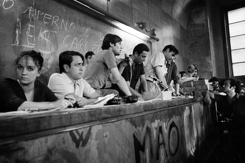 Fotogiornalismo, Assemblea degli studenti nel maggio del '68